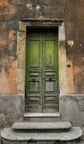 Porta e parede velhas Fotos de Stock Royalty Free