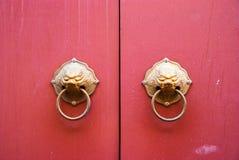 Porta e punho do estilo chinês Imagem de Stock