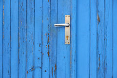 Porta e puxador da porta azuis Fotos de Stock Royalty Free