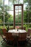 Porta e tabela de vidro Imagem de Stock Royalty Free