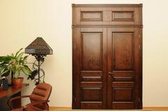 Porta e tonalità di legno Fotografia Stock Libera da Diritti