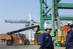 Porta e trasporto del contenitore Immagine Stock Libera da Diritti