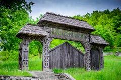 Porta em Maramures, Romênia foto de stock royalty free
