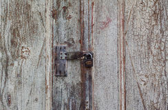 Porta fechado resistida velha Foto de Stock