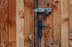 Porta fechado resistida velha Imagens de Stock Royalty Free