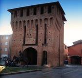 Porta Ferrara oder Porta Capuana, San Giorgio di Piano, Bologna, Italien stockfotografie