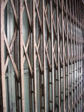 Porta foldable velha oxidada Fotografia de Stock Royalty Free