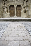 Porta gótico da igreja Imagens de Stock Royalty Free