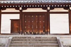 Porta giapponese tradizionale fotografie stock libere da diritti