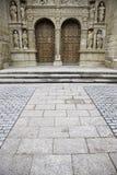 Porta gotica della chiesa Immagini Stock Libere da Diritti