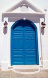 Porta greca tradizionale sull'isola di Mykonos, Grecia Fotografia Stock Libera da Diritti