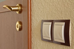 Porta interior e interruptor leve Fotos de Stock