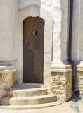Porta invecchiata di vecchia costruzione Fotografie Stock Libere da Diritti