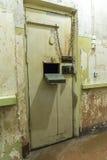 Porta KGB da cela que constrói Riga Fotografia de Stock