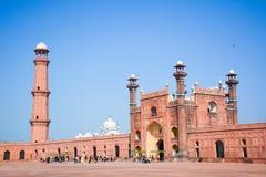 Porta lahore do entrence da mesquita de Badshahi imagem de stock