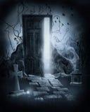 Porta magica in un cimitero Fotografia Stock Libera da Diritti
