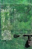 Porta manchada verde do metal Fotos de Stock Royalty Free