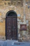 Porta marrom velha Fotografia de Stock Royalty Free