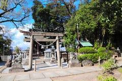 Porta medieval de Torii da pedra no templo xinto?smo, distrito de Bikan, cidade de Kurashiki, Jap?o fotografia de stock