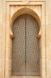 Porta na mesquita de Hassan II, Casablanca foto de stock royalty free