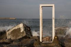 Porta nel mare Fotografia Stock