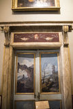 Porta nella raccolta di Borghese in villa Borghese Roma Italia Immagini Stock