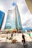 Porta Nuova affärsområde i Milan Fotografering för Bildbyråer