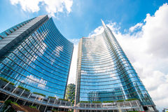 Porta Nuova affärsområde i Milan Royaltyfria Foton