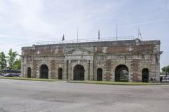Porta Nuova gammal historisk stadsport royaltyfri fotografi
