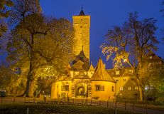 A porta ocidental da cidade no der Tauber do ob de Rothenburg fotos de stock royalty free