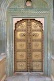 Porta ornamentado em Chandra Mahal, palácio da cidade de Jaipur Imagens de Stock