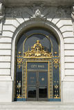 Porta principal de salão de cidade fotografia de stock royalty free