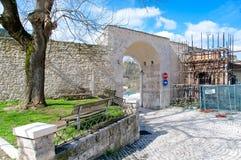 Porta Rivera, L'Aquila, Itália Imagens de Stock Royalty Free