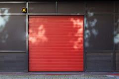 Porta rossa Fotografie Stock Libere da Diritti