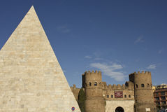Porta San Paolo Gate and ancient Pyramid of Celsius Royalty Free Stock Photos