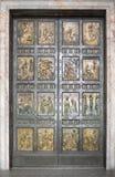 A porta santamente vatican Italy fotos de stock