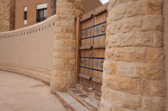 Porta scolpita bella in Riyad, Arabia Saudita fotografia stock