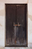 Porta tailandesa clássica da madeira do estilo Imagens de Stock Royalty Free