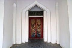 Porta tailandesa tradicional do templo do estilo foto de stock royalty free