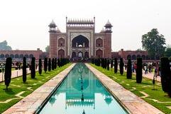 A porta a Taj Mahal fotos de stock