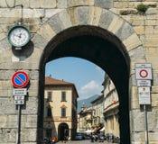 Porta Torre è una torre fortificata conduttura situata nella città di Como, in Lombardia È d'altezza 40 metri ed è stato integrat Fotografie Stock Libere da Diritti