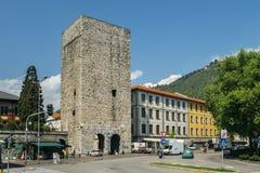 Porta Torre è una torre fortificata conduttura situata nella città di Como, in Lombardia È d'altezza 40 metri ed è stato integrat Fotografia Stock Libera da Diritti