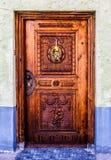 Porta tradicional antiga, em Fussen, nos cumes bávaros Imagem de Stock