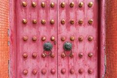 Porta tradizionale antica cinese dal tempio Immagine Stock