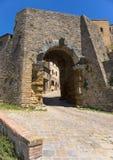 Porta tutto il ` Arco, uno degli ingressi del ` s della città, è il monumento architettonico etrusco più famoso in Volterra immagini stock