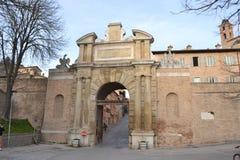 Porta Valbona i Urbino - Italien Arkivbilder