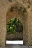 Porta velha, Brihuega, Espanha fotos de stock