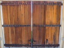 Porta velha de madeira de Brown Imagem de Stock Royalty Free