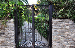 Porta velha do ferro Imagens de Stock Royalty Free