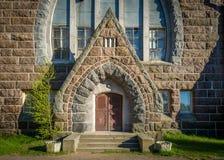 Porta velha do kirk de Maria Magdalena foto de stock